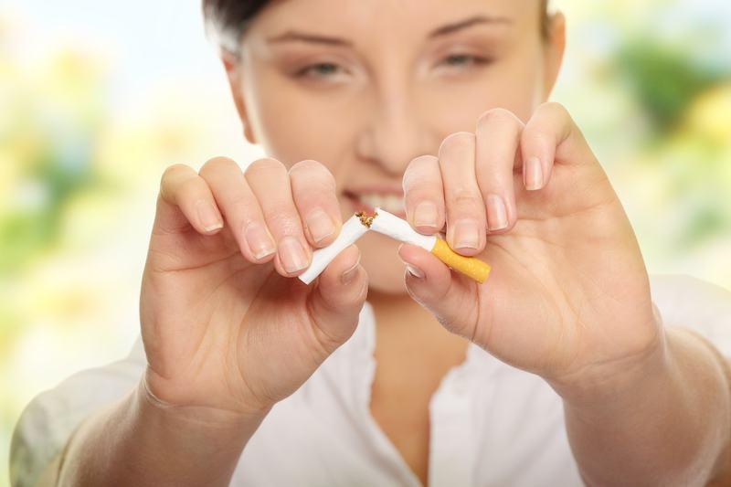 quit smoking now woman