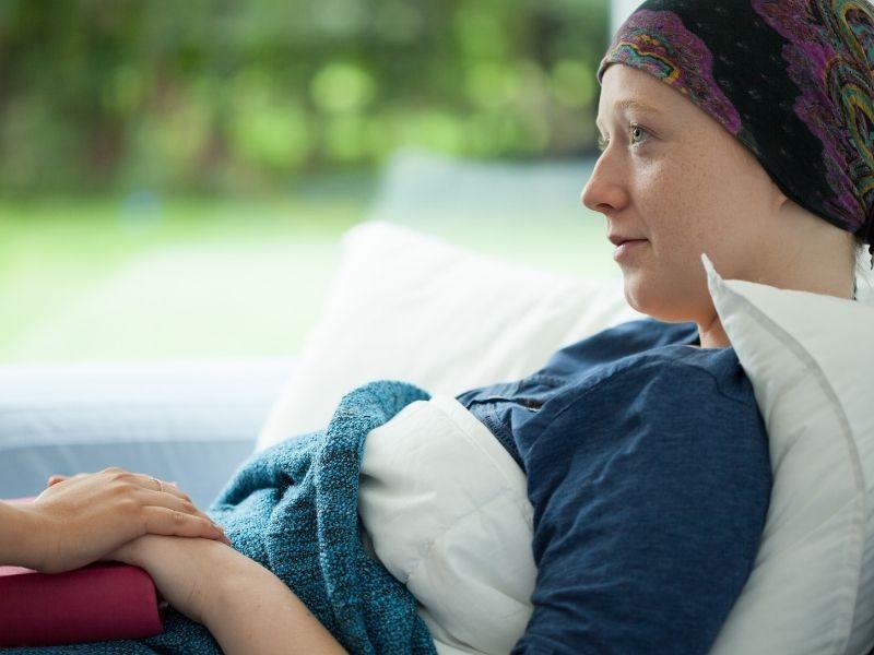 woman smoking cancer